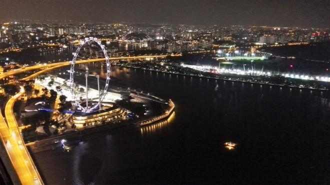Vue de nuit du Marina Bay Sands sur Singapour