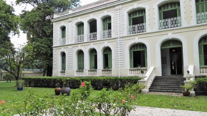 Jardin du consulat français à Saigon Vietnam