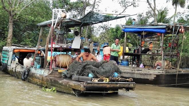 Bateaux de pêcheurs sur le Mekong, Vietnam