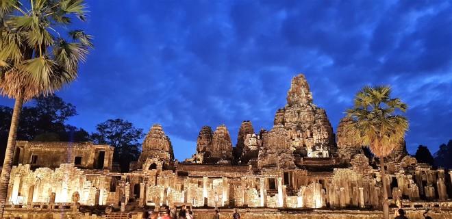 Temple de Bayan Angkor Siem Reap Cambodge.jpg