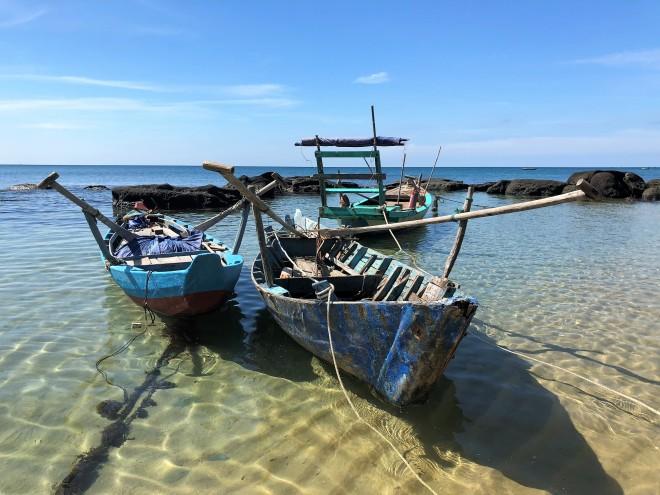 Barques sur Ong Lang Beach de Phu Quoc Vietnam